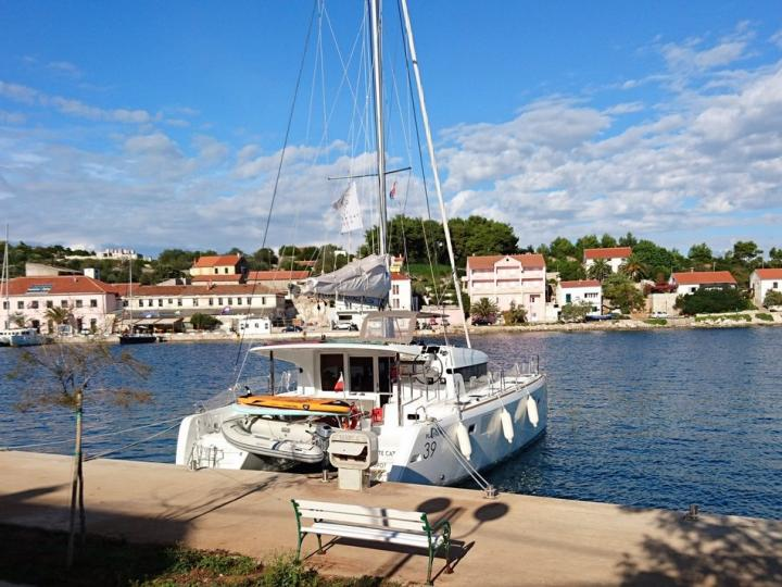 Discover boating aboard the 39ft Black Cat boat in Šibenik, Croatia - a 6 cabins catamaran for rent.