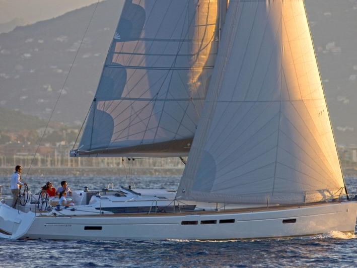 Discover sailing aboard the 52ft Kalos boat in Tonnarella, Italy - a 6 cabins boat for rent.