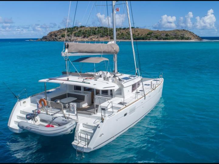 Sail around Lavrio, Greece on a catamaran for rent - the amazing Salty Love boat. Discover sailing.