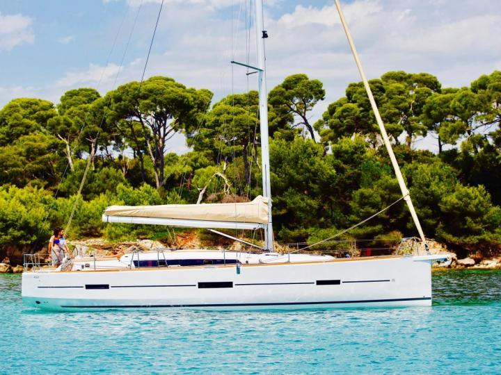 Discover boating aboard the 46ft BELLATRIX boat in Castellammare di Stabia, Italy - a sail boat for rent.
