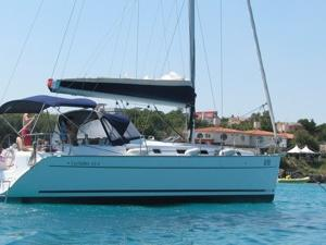 Beautiful boat for rent in Portisco, Sardinia, Italy for up to 8 guests.