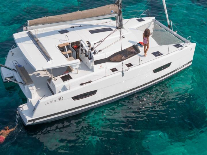 One of the world's most perfect sailing sites - Road Town, BVI yacht charter - rent a boat for up to 6 guests.