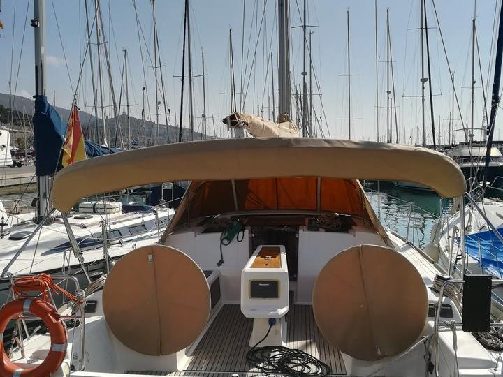 A great boat for rent - discover all Castelldefels, Spain can offer aboard a sail boat.