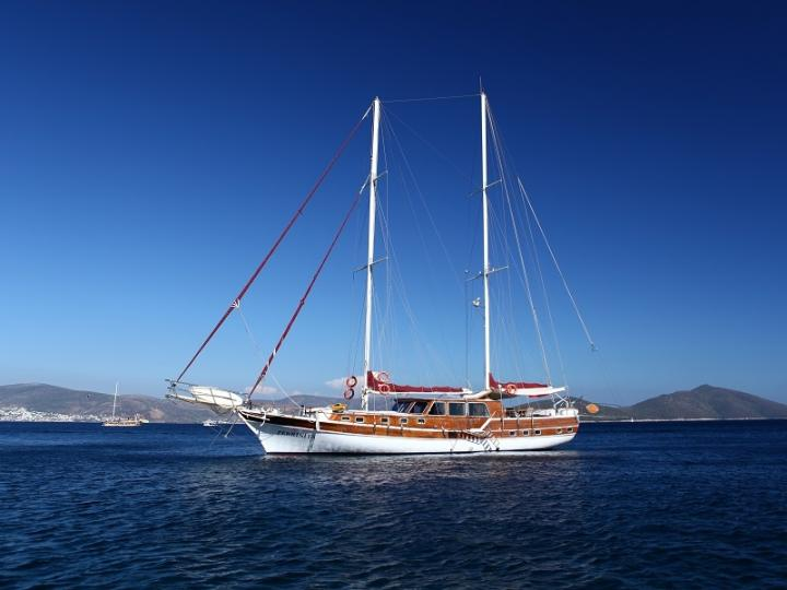 Bodrum, Turkey yacht charter - rent a gulet for up to 10 guests.