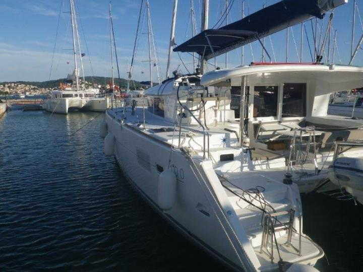Rent a catamaran in Athens, Greece - the Jema for 8 guests.