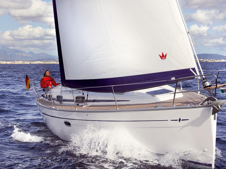 Private sailboat for rent and yacht charter in Salerno, Italy.