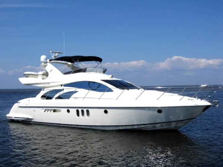 Rent Our Luxurious Azimut 55 in Abu Dhabi