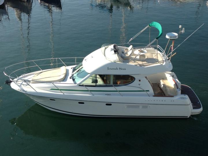 Top boat rental in Sitges, Spain - rent a power boat for up to 4 guests.