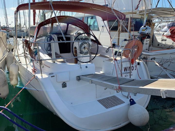 Boat rental & yacht charter in Lavrio, Greece for up to 6 guests.