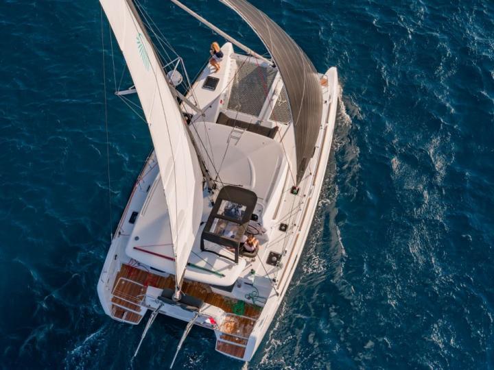 Affordable catamaran for rent in Santa Teresa di Gallura, Italy.