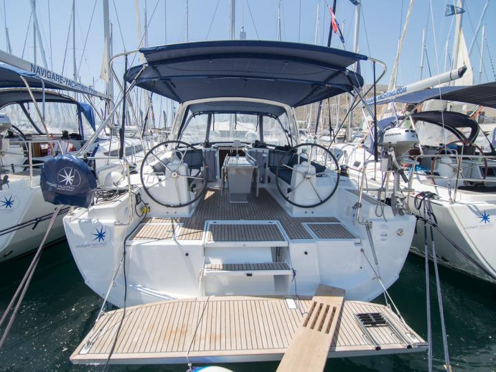 Immerse yourself in relaxation & adventure - rent this sailboat in Split, Croatia.