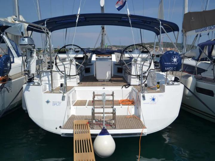 Yacht charter in Athens, Greece - rent a boat for up to 8 guests.