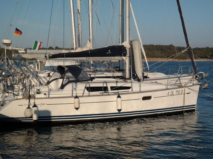 Private boat for rent in Portocolom, Spain. Enjoy a great sailboat for 6 guests.