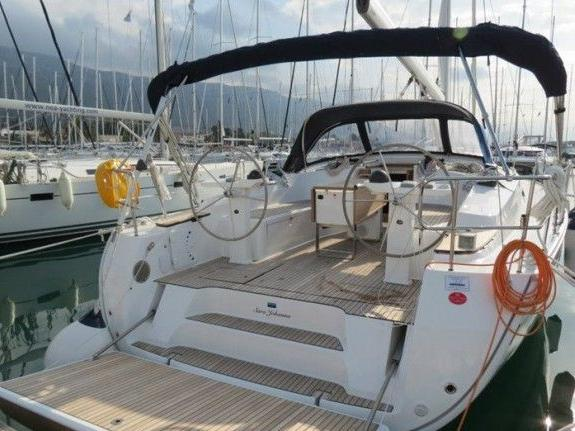Top sail boat for rent in Caorle, Italy - rent a sail boat for up to 8 guests.