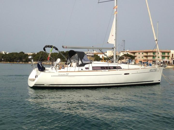 Discover boating aboard the Polaris boat in Portocolom, Spain - a 3 cabins sailboat for rent.