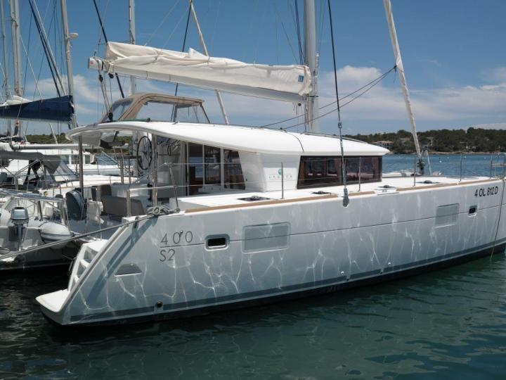 Rent a catamaran in Portocolom, Spain for up to 8 guests - the Atlante boat.