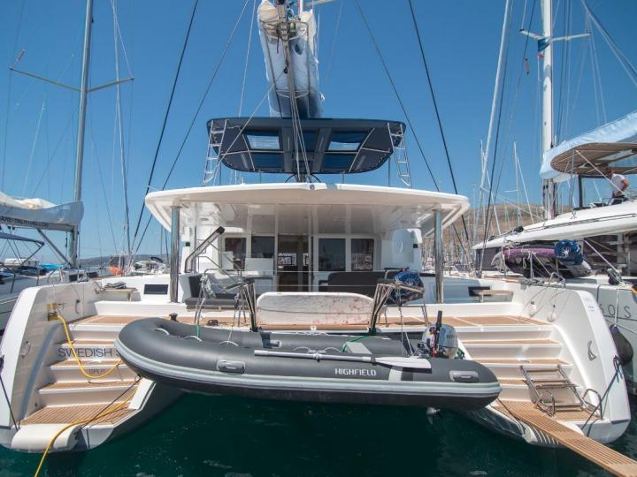 Marina Boatic, Croatia catamaran rental - discover your dream vacation on this catamaran for up to 10 guests.