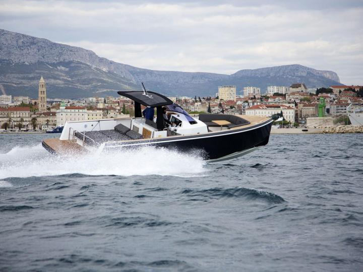 Rent a power boat in Split, Croatia - the No Name yacht charter.