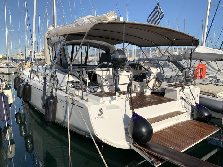 Rent a boat in Lavrio, Greece and discover vacation on a yacht charter.