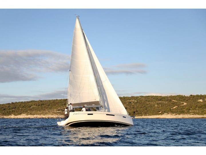 Sailboat for rent in Primošten, Croatia for 10 guests.