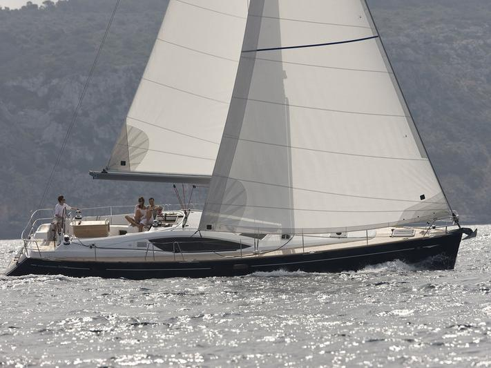 Beautiful boat for rent in Göcek, Turkey for up to 6 guests.