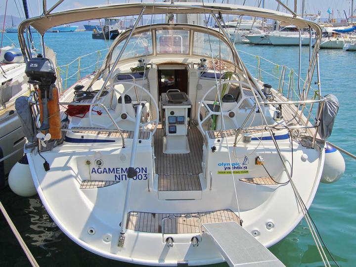 Rent a 51ft boat in Lavrio, Greece.