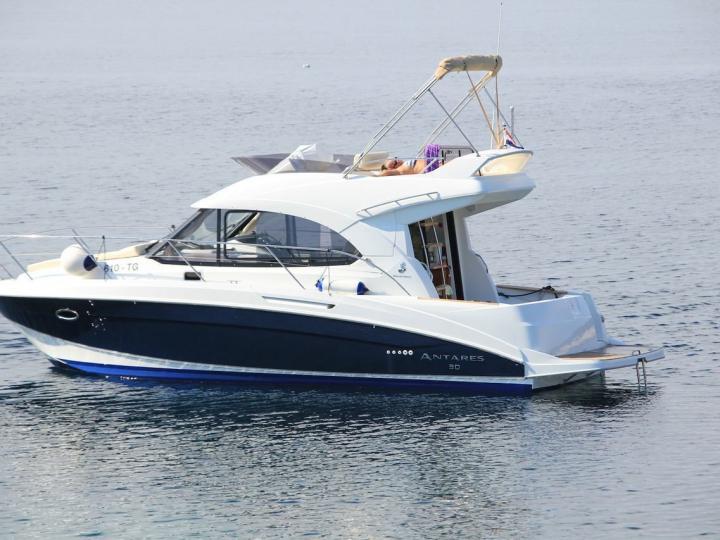 Beautiful power boat for rent in Split, Croatia.