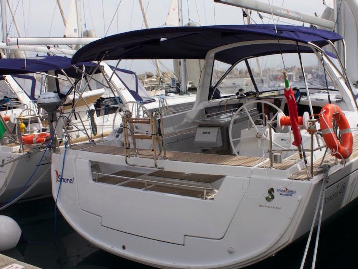 Explore the amazing Tonnarella, Italy on a sailboat for rent and discover sailing.