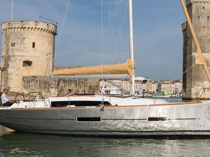 Rent a 38ft, 3 sail boat in Horta, Portugal and enjoy a boat trip like never before across Azores islands..