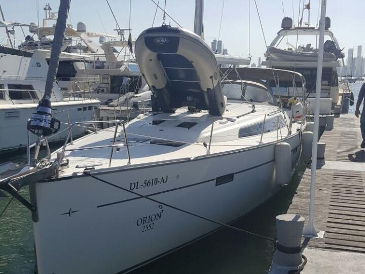 Sailboat for rent in Cartagena, Colombia for up to 6 guests - the ORION boat rental.