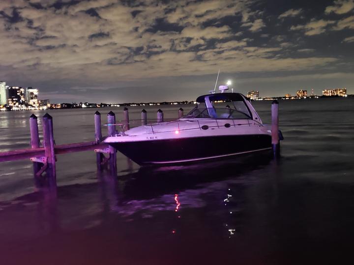 Miami Boat Rental Sea Ray Sundancer 36ft