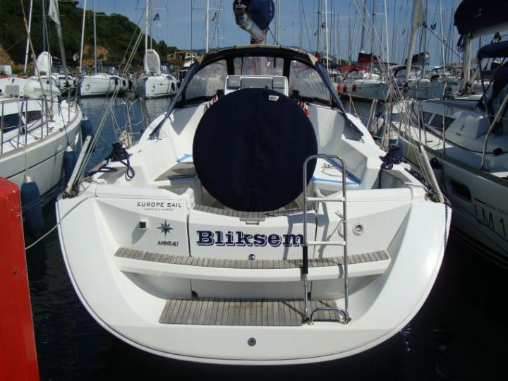 Rent a boat in Portisco, Italy and discover Sardinia aboard a yacht charter.