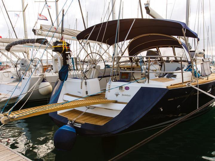 Sailboat for rent for 6 guests in Primošten, Croatia.