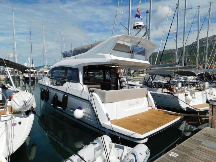 Private powerboat for rent in Split, Croatia for up to 6 guests - the Liisa & Me yacht charter.