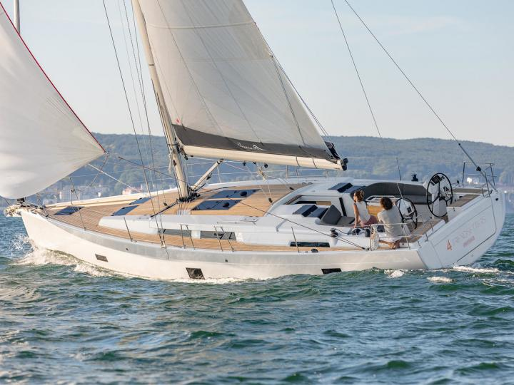 Top boat rental in Scarlino, Italy, for up to 8 guests.