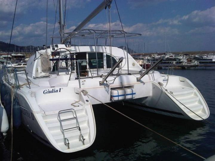 Giulia I - a 38ft catamaran for rent in Salerno, Italy. Enjoy a marvelous yacht charter. Book your Amalfi Coast holiday!