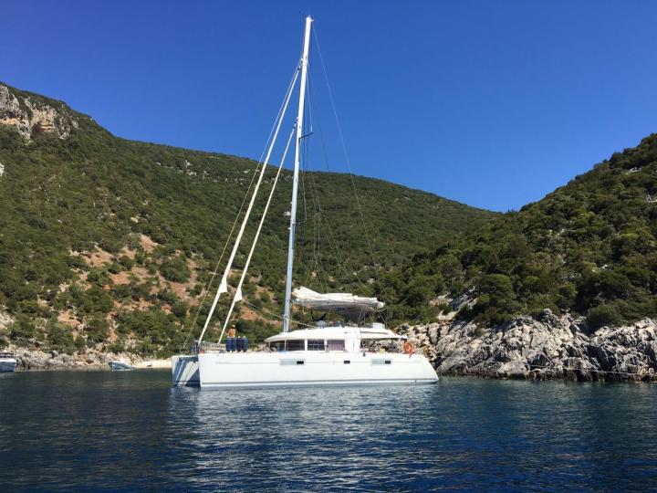 The best boat rental in Sant Antoni de Portmany, Ibiza, Spain - amazing catamaran for rent.