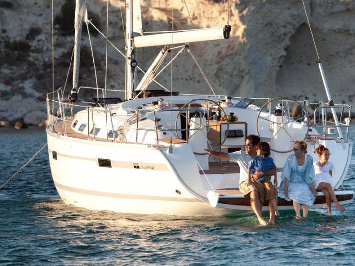 Ginevra - a 41ft boat for rent in Palermo, Italy. Enjoy a yacht charter for 6 guests.