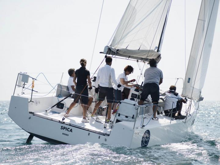 Top sail boat charter in Roses, Spain - rent a sail boat for up to 4 guests.