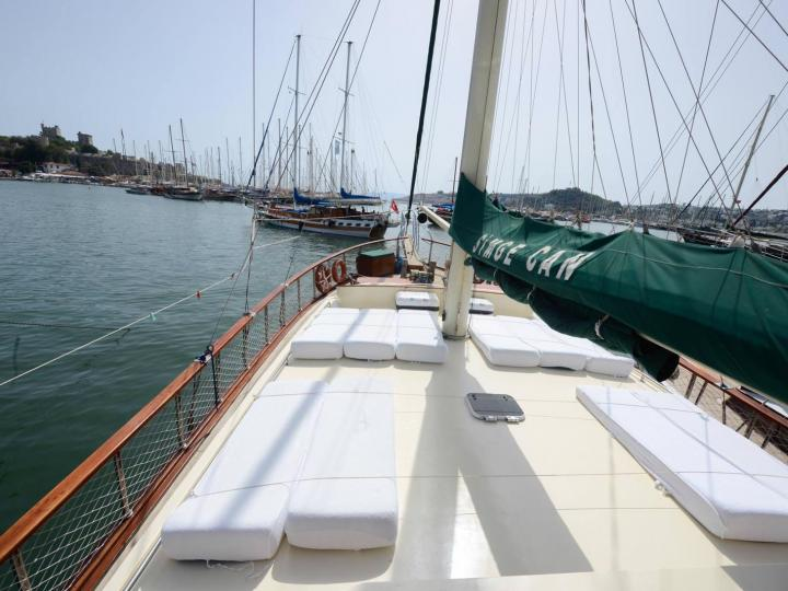 This wonderful luxury gulet sailing at the coasts of aegean and Mediterranean is 27 meters long and for 16 people