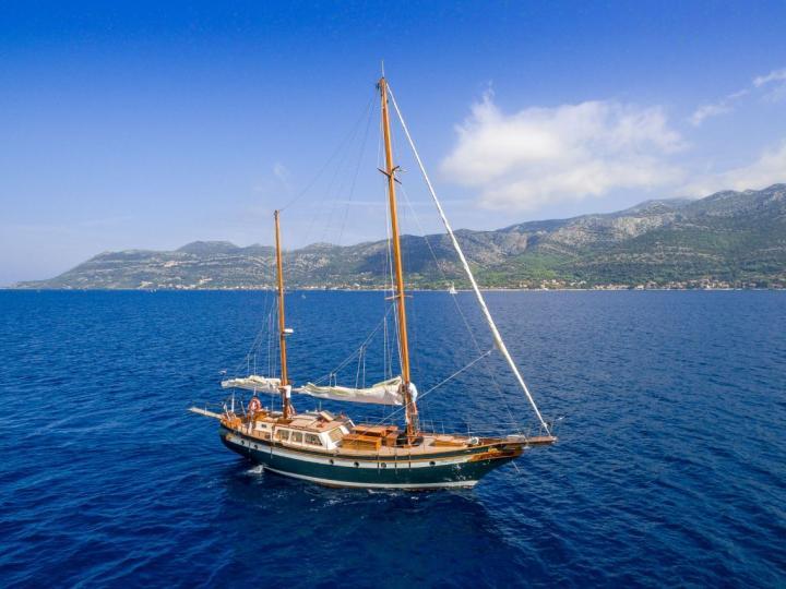 Sailing yacht charter in Split, Croatia.