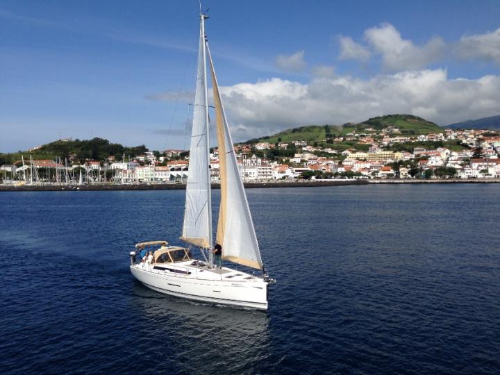 Rent a yacht in Horta, Portugal and enjoy a boat trip like never before accros Azores.