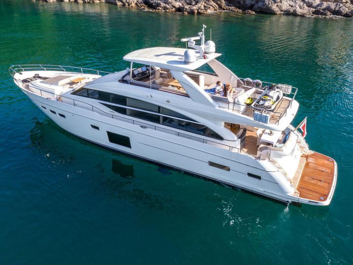 Gorgeous power boat for rent in Split, Croatia.