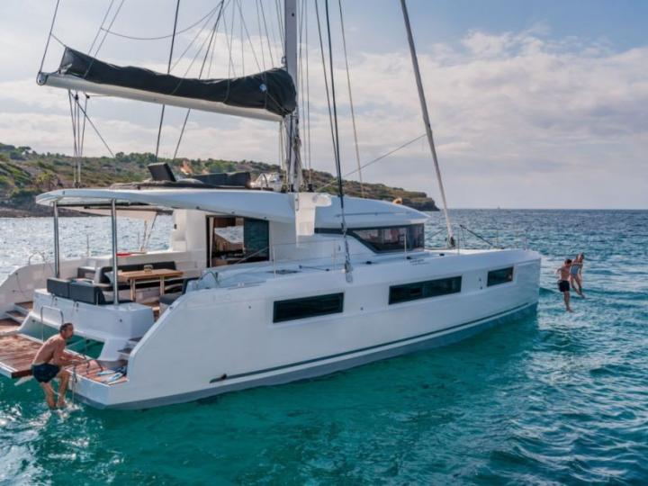 Private boat for rent in Antigua, Caribbean Netherlands for up to 12 guests.