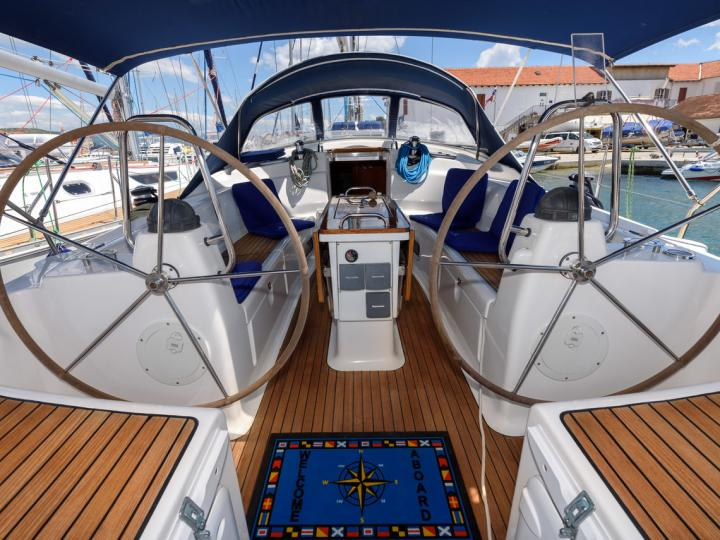 Private boat rental in Trogir, Croatia - a yacht charter for up to 6 guests.