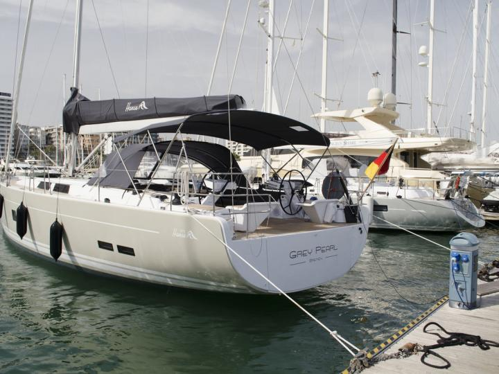 Rent this amazing and affordable boat located in the beautiful Palma, Spain.