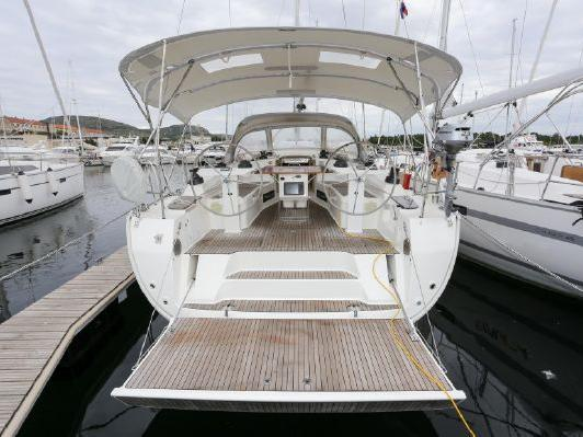 Yacht for rent in Tonnarella, Italy - discover vacation on a boat for up to 10 guests.