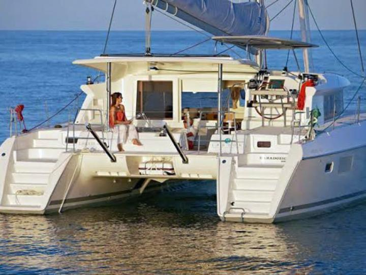 Rent a boat in Milazzo, Italy and discover boating on a catamaran.