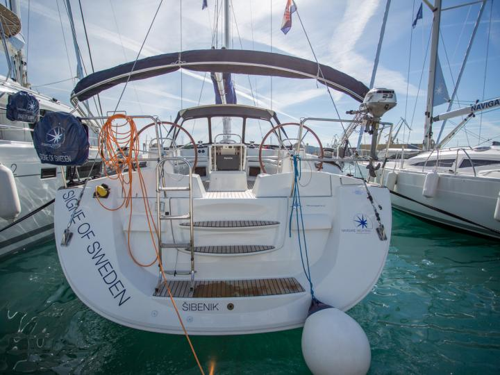 Affordable yacht for rent in Elliniko, Central Greece.