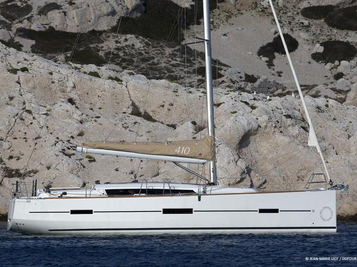 Charter a sail boat in Kalkara, Malta - a perfect vacation on a rented boat for up to 6 guests.